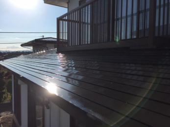屋根の塗装で家を守ります